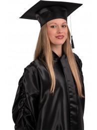 Cappello laureato nero in rasetto con cartellino/etichetta